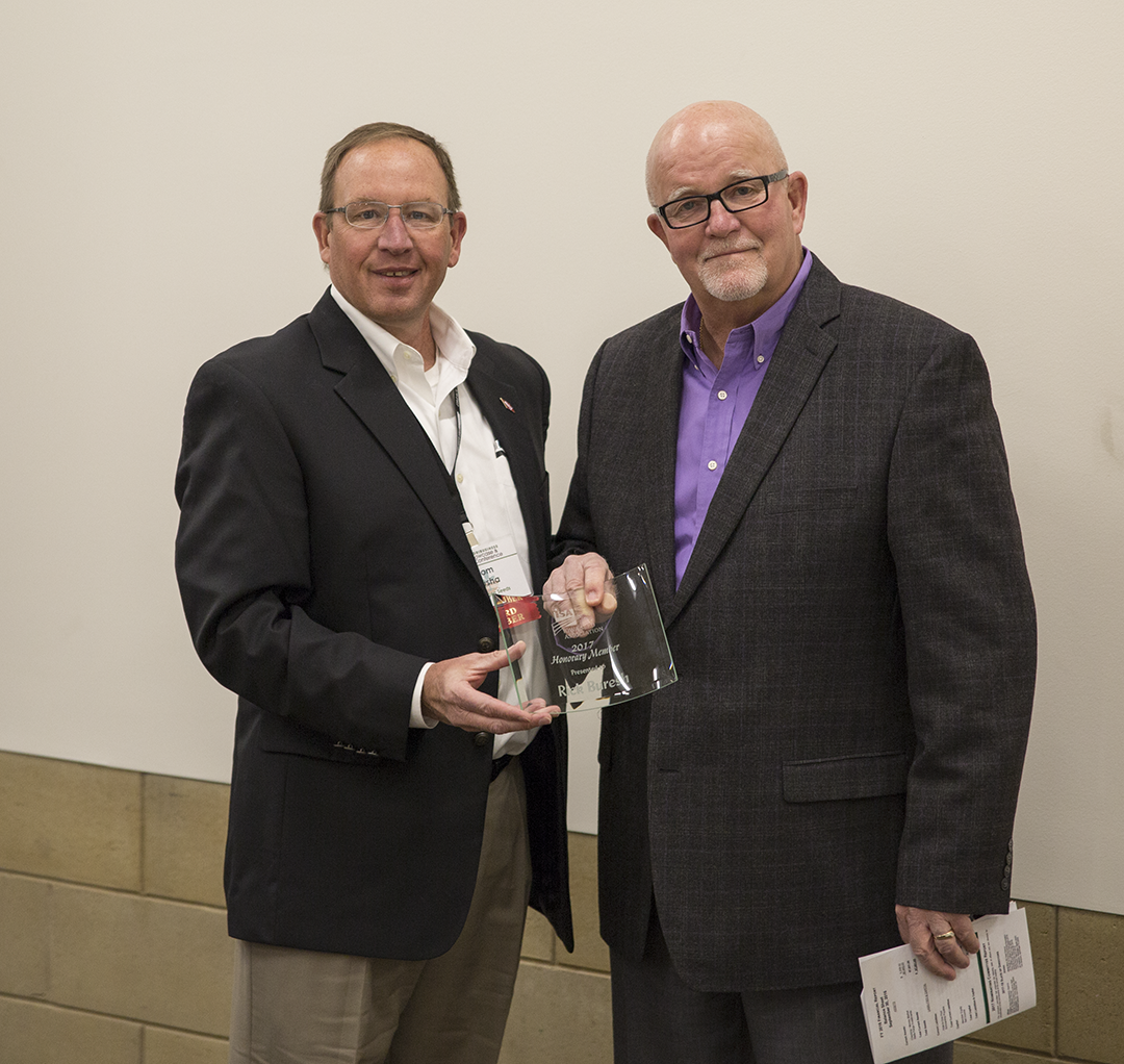 ISA Recognizes Honorary Member at Seed Forum